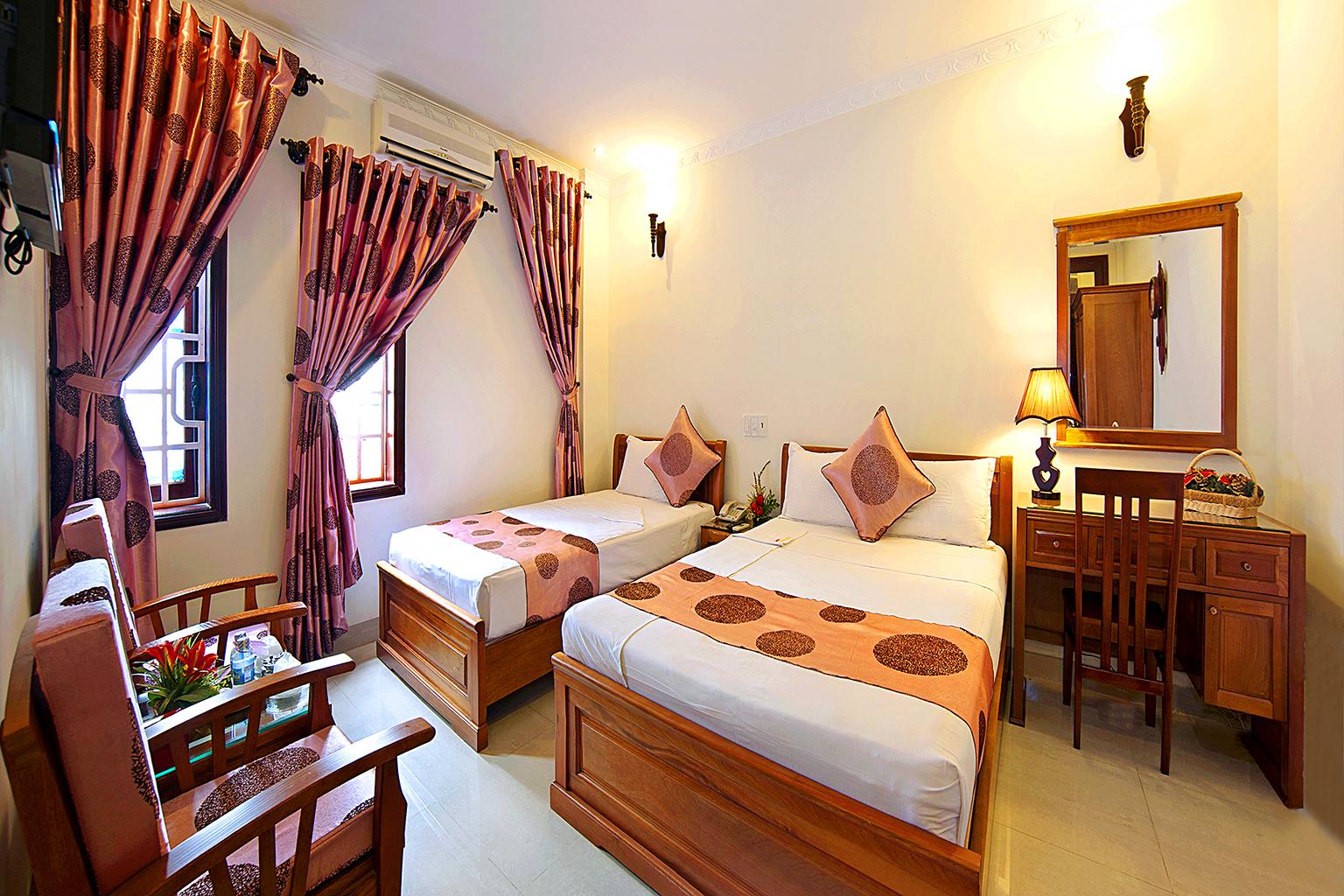 Phòng Tripble khách sạn Đại Long